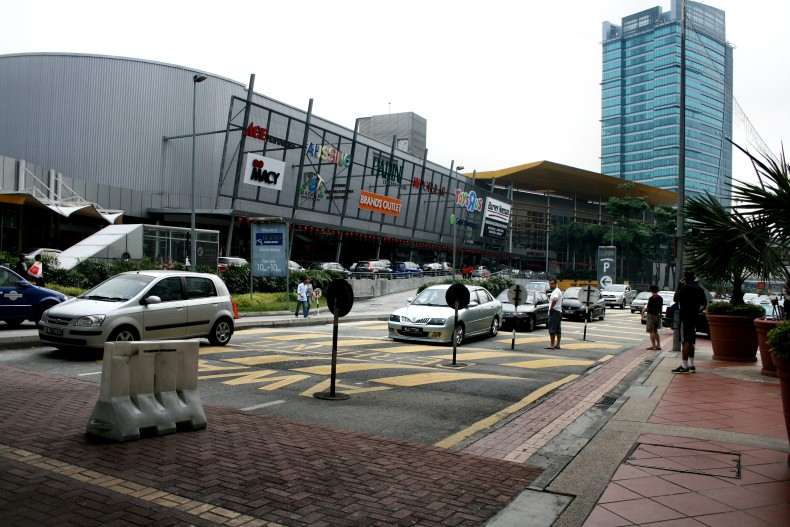 Shopping Center Leads the Way for Recycling in Malaysia