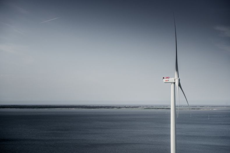 Giant Wind Turbine sets new Record