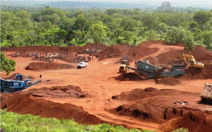 Officials 'Who Aided' Illegal Bauxite Mining are Nabbed in Pahang