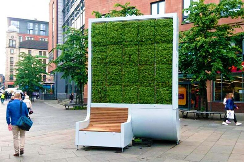 Hi-tech Moss-based Installation can 'Eat up' urban Air Pollution
