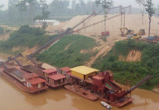 Why Hasn't Australia Helped Regulate Bauxite Mining in Malaysia?