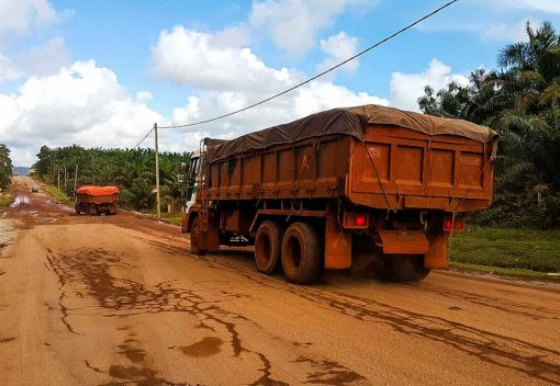Throw the Book at Miners Breaking the Bauxite Ban in Kuantan
